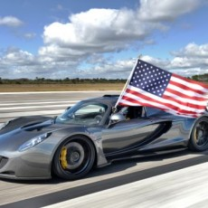 Fastest Car Ever : Hennessey Venom GT powers to 270 mph!