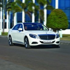 Mercedes S500 moves in
