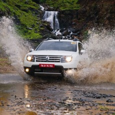Dust Off All Wheels: Renault Duster AWD