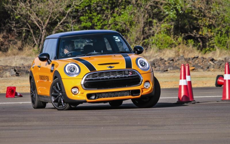 SUPERMINI – MINI Cooper S First Drive Review