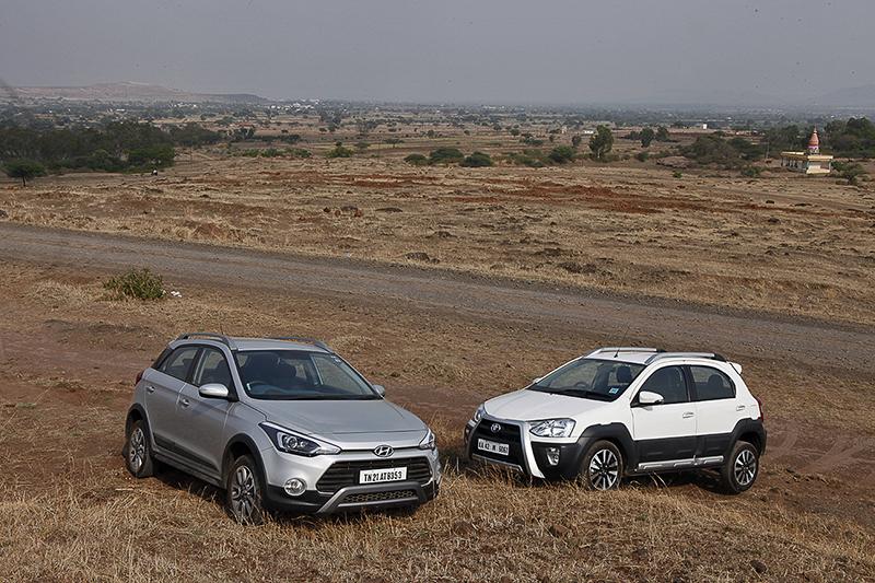 Hyundai i20 Active v Toyota Etios Cross (3)