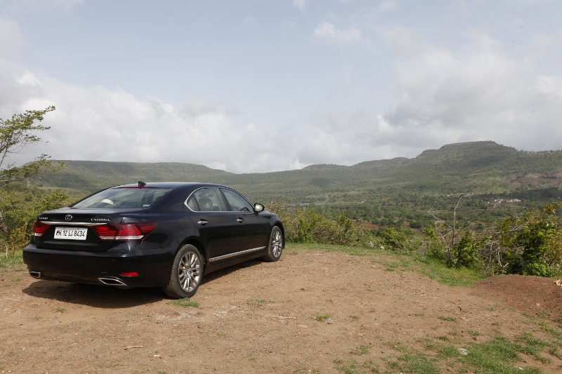Dial L for Luxury_Lexus LS 600h L AWD Exclusive First Drive (19)