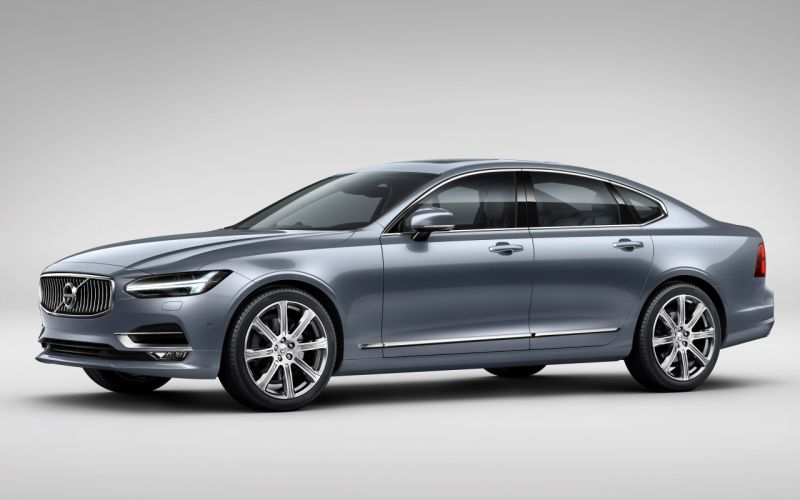 Front Quarter Volvo S90 Mussel Blue