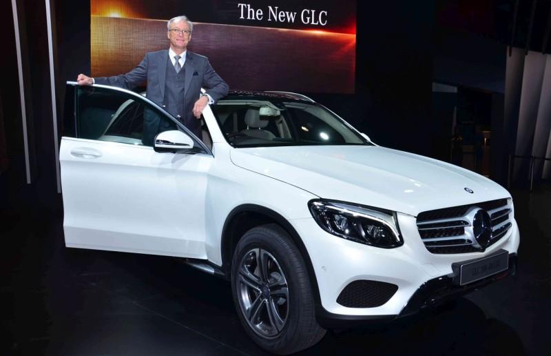 Mercedes Cars At Auto Expo 2016 Mercedes Benz At Delhi: Auto Expo 2016: Mercedes GLC And S Cabriolet Arrive