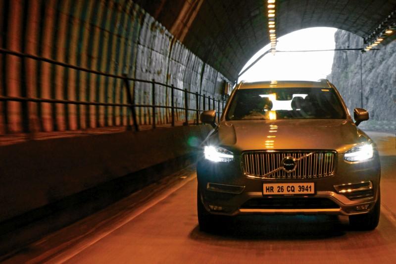 Volvo XC90 D5 AWD web 1