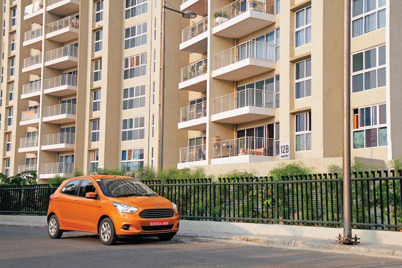 2015 Ford Figo Automatic Car India review web 2