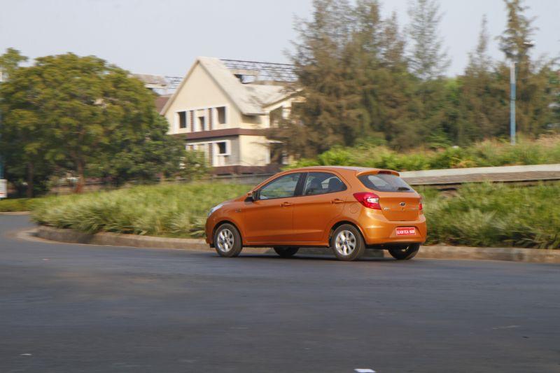 2015 Ford Figo Automatic Car India review web 5