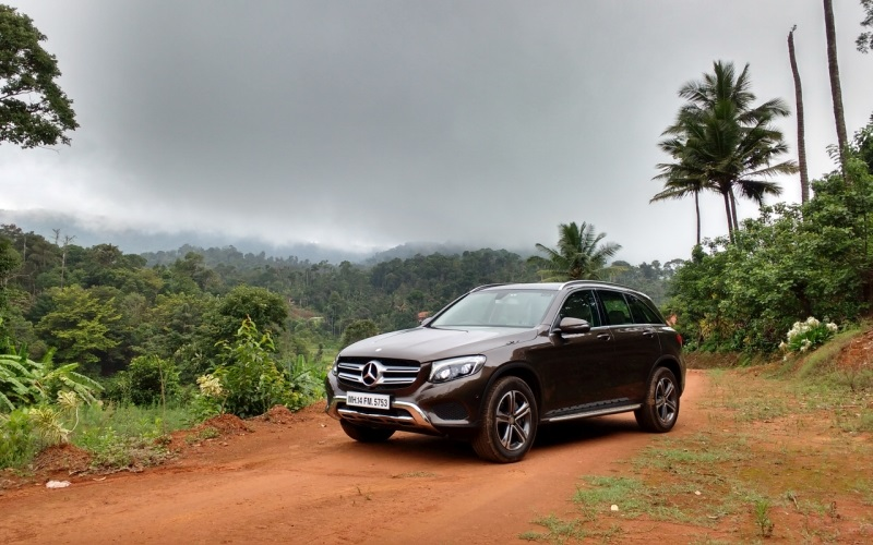 mercedes benz glc first drive review car india india 39 s leading dedicated car magazine. Black Bedroom Furniture Sets. Home Design Ideas