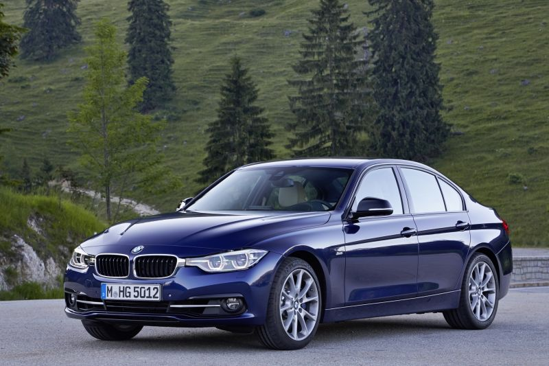 Petrol engines return to the BMW 3 Series