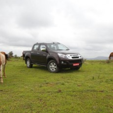 Isuzu D-Max V-Cross Road Test Review: Get The Truck Out
