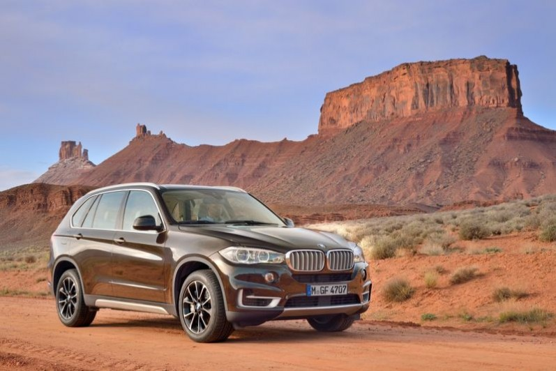 New BMW X3 xDrive28i and X5 xDrive35i Petrol Launch in India