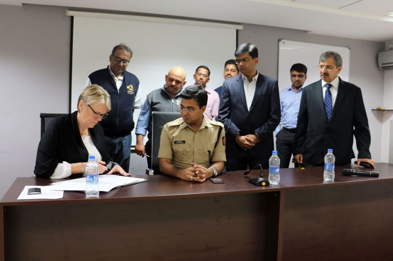 volkswagen-india_csr-road-safety_mou-signing-web
