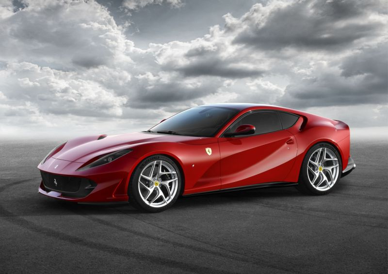 Ferrari 812 Superfast (1) Web