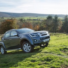 All-new 2017 Isuzu D-Max Breaks Cover