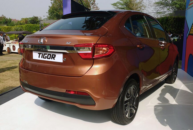 hatchback cars in india 2017 18 best small cars in india autos post. Black Bedroom Furniture Sets. Home Design Ideas
