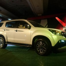 2017 Isuzu mu-X launched