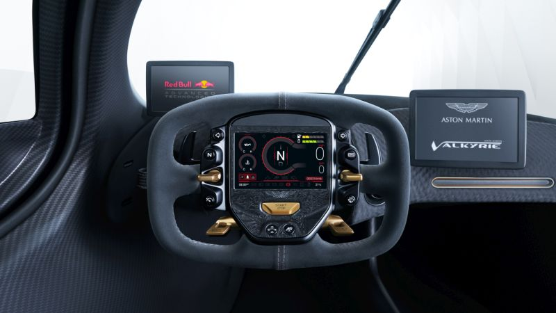 Aston Martin Valkyrie_12 Web