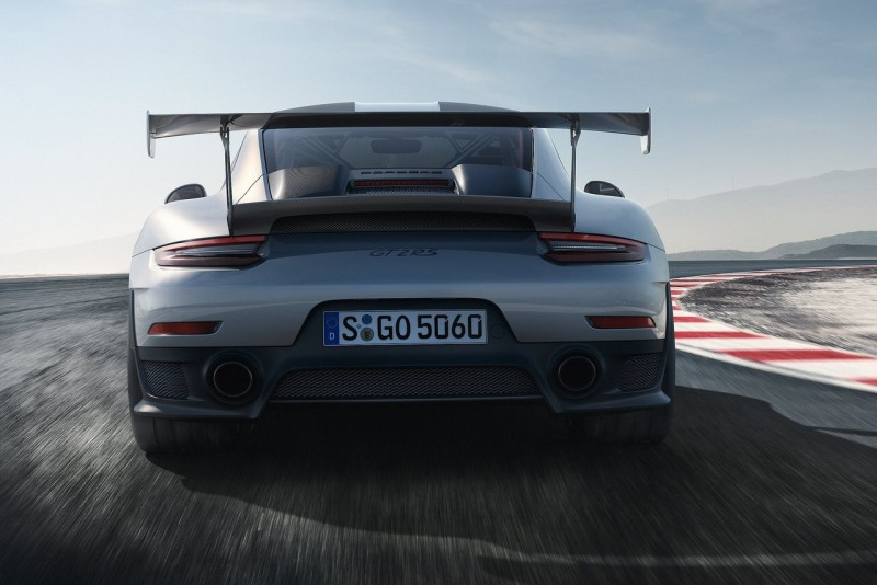 Porsche 911 GT2 RS 2018 2 web