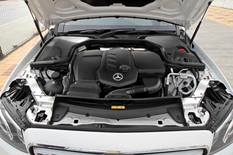 Mercedes-Benz E 220 d L 3 web