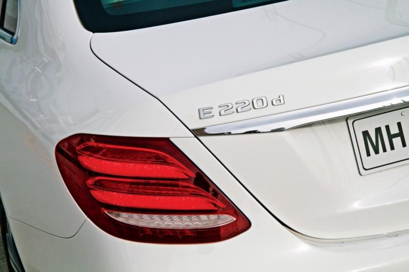 Mercedes-Benz E 220 d L 4 web