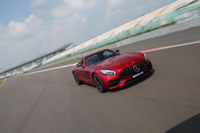 Mercedes-AMG GT Roadster On Track 5 web