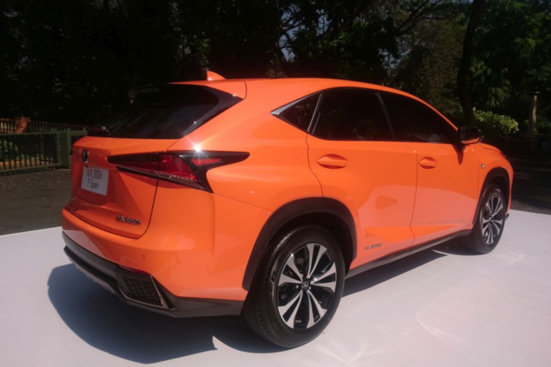 lexus nx 300h first drive review car india india 39 s leading dedicated car magazine latest. Black Bedroom Furniture Sets. Home Design Ideas