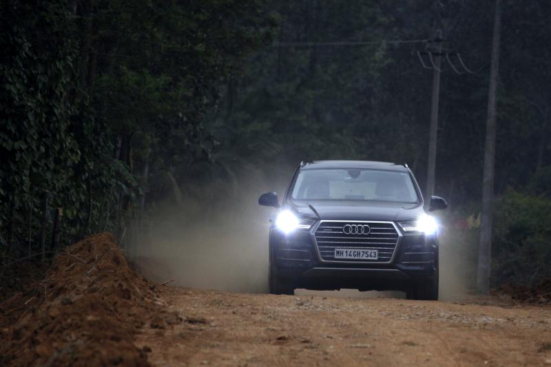 2017 Audi Q7 chikamagaluru web 4