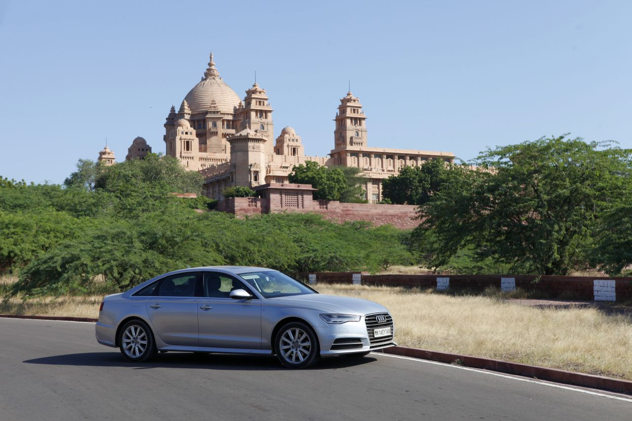 Driving the Audi A6 from Jaipur to Pune - Posing with an Indian Elephant-FB14
