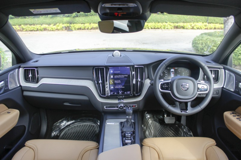 Volvo Xc60 D5 Awd Inscription First Drive Review Page 2 Of 3 Car