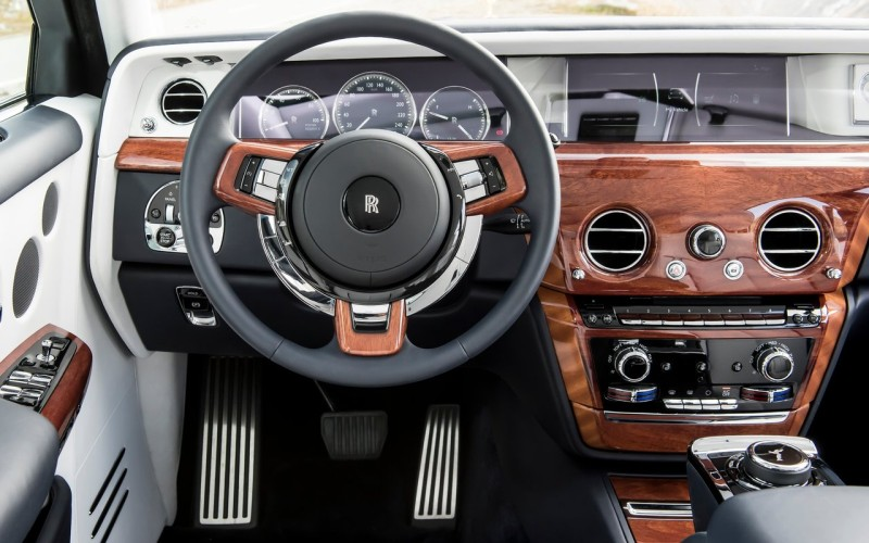 All new Rolls-Royce Phantom Launched - Car India