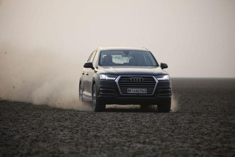 Audi Q7 to Rann of Kutch 5