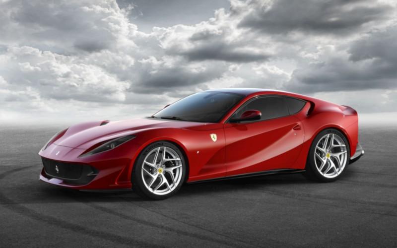 Ferrari 812 Superfast web 1