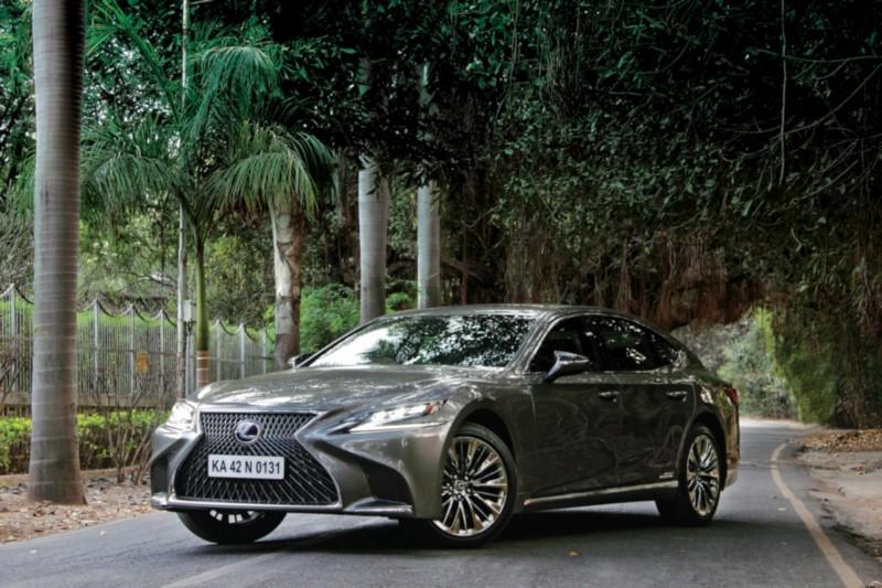 Lexus LS 500h 1 web