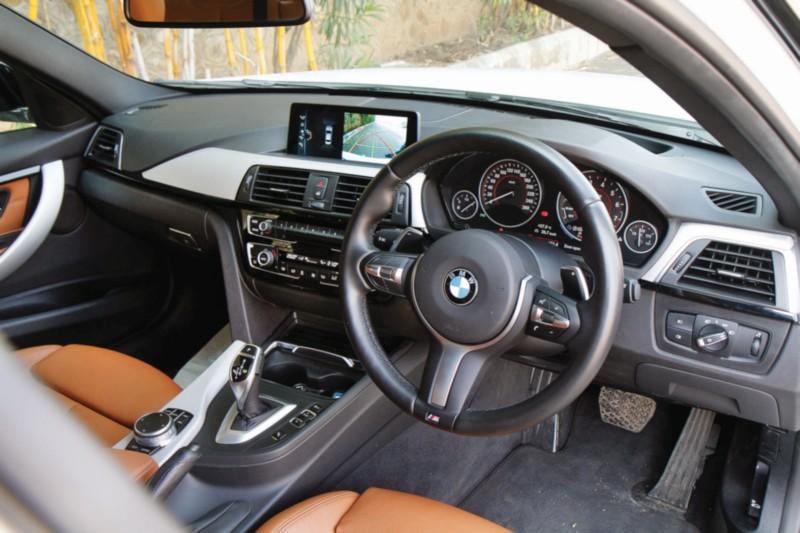 BMW 330i M Sport web 2