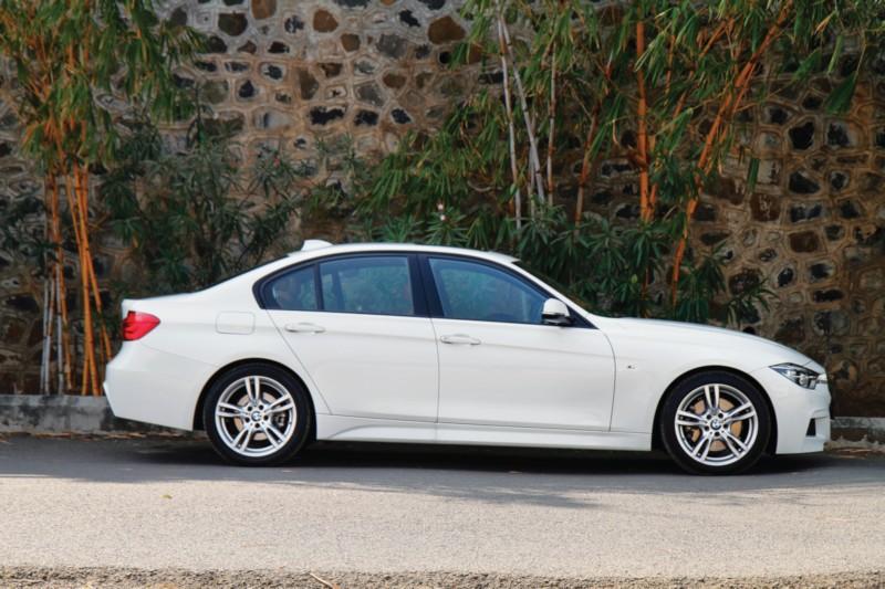 BMW 330i M Sport web 6 2