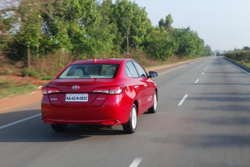 Toyota Yaris 6 web
