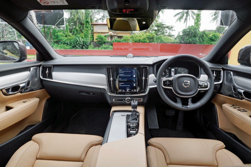 Volvo V90 Cross Country D5 AWD web 2 1