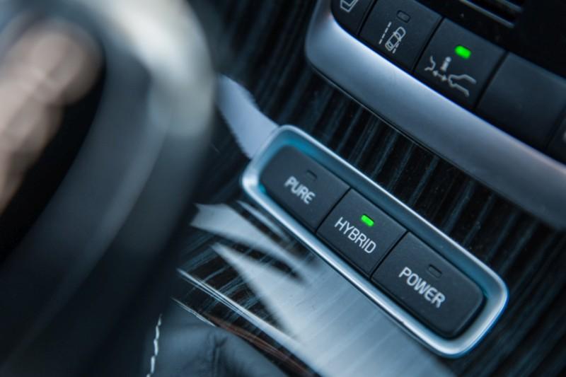 2015 Volvo V60 D6 Plug-in Hybrid 3 5 web