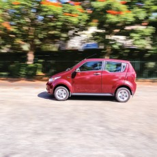 Mahindra e2o Plus First Drive Review: Electri-city car