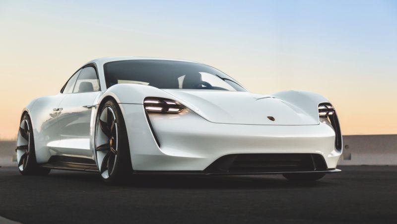 Porsche Mission E web