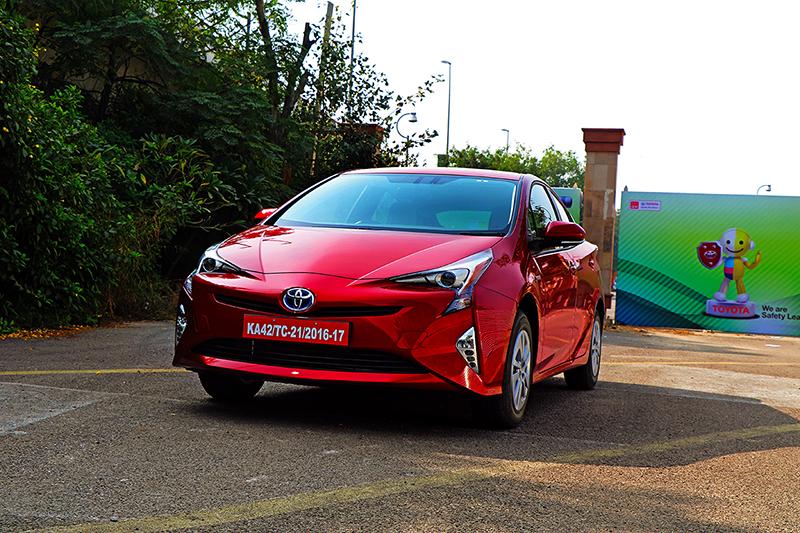 Toyota Prius Exterior_WEB