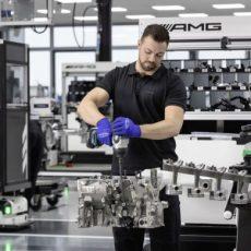 New Mercedes AMG 45 Engine Revealed