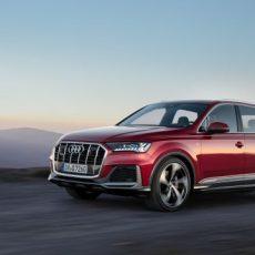 Facelifted Audi Q7 revealed.