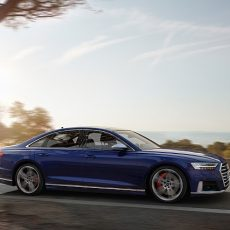 New Audi S8 – TFSI Power and Predictive Active Suspension
