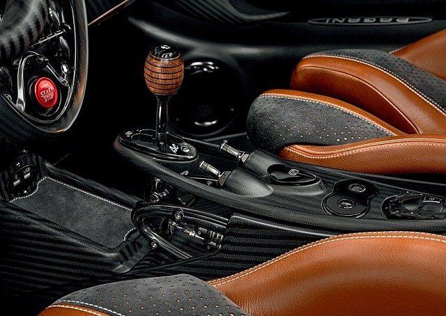 WEB Pagani-Huayra_Roadster_BC-2020-1024-1b