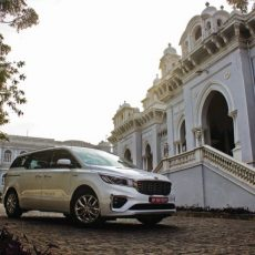 Kia Carnival First Drive – The Carnival at a Castle