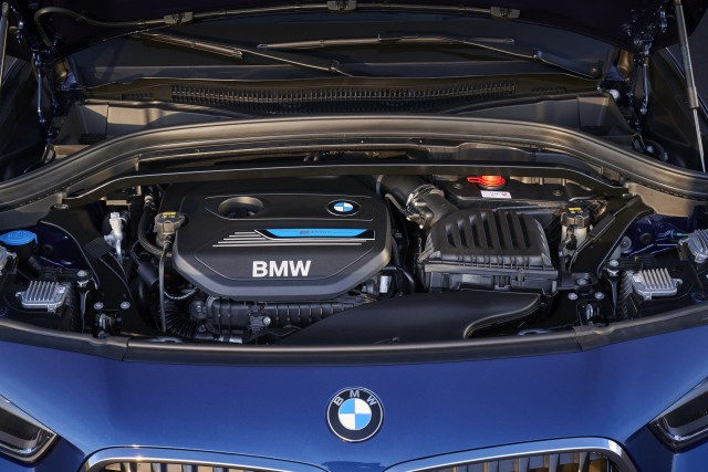 BMW 48-volt X2 xDrive25e