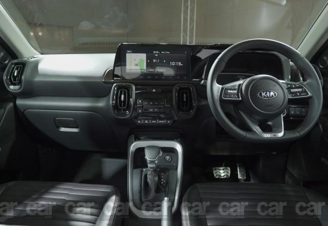 Kia Sonet SUV cabin design