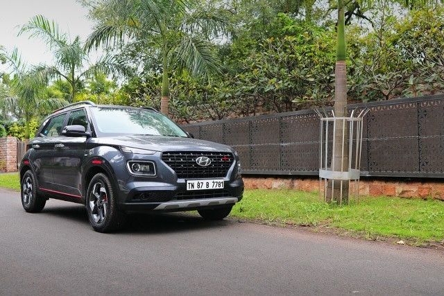 Hyundai Venue iMT Petrol – First Drive Review