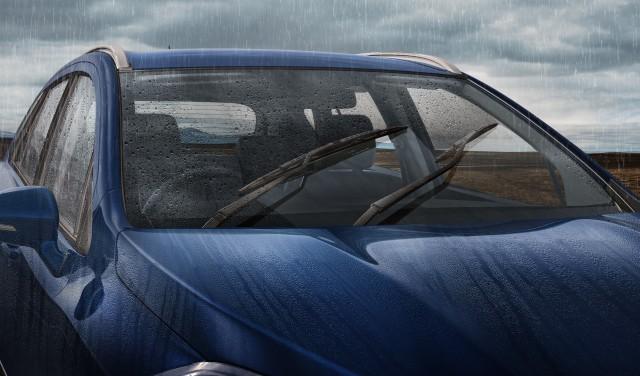 Rain sensing automatic wiper